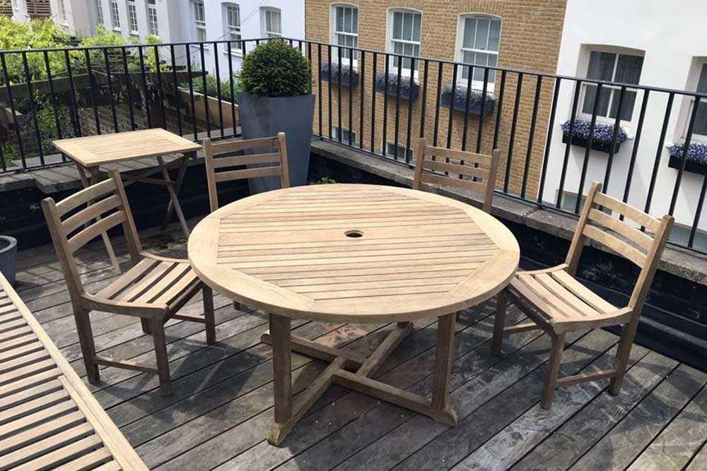 Garden furniture restoration picture 2 after